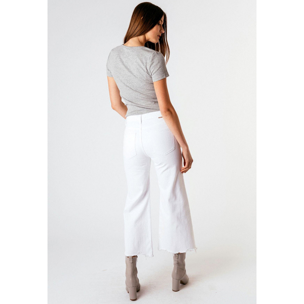 Tractr Jeans High-Rise Distressed Hem Wide Leg Crop - White
